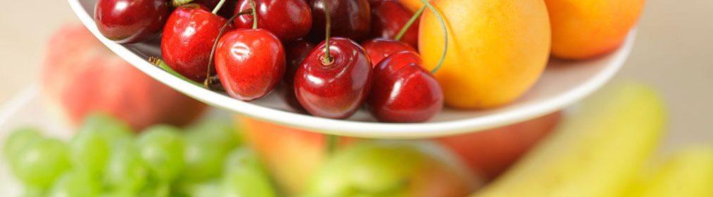 Frisches Obst serviert
