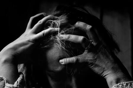 Psychologische und körperliche Belastungen am Arbeitsplatz führen zu Stress, der der Gesundheit enorm schaden kann