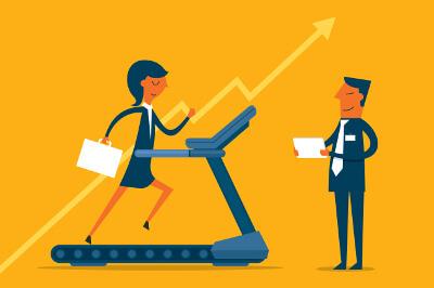 Business-Frau trainiert ihre Fähigkeiten auf einem Laufband