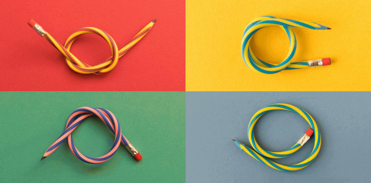 Vier bunte flexible Stifte zeigen, was alles im agilen Arbeiten möglich ist