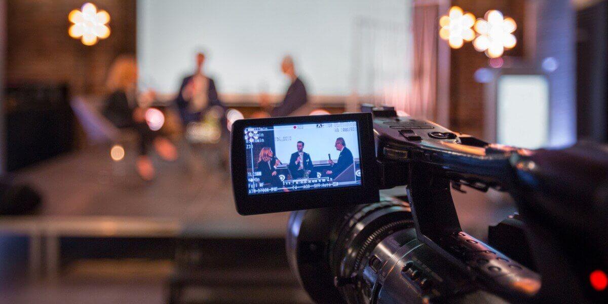 Konferenz als digitale Veranstaltung mit Kamera